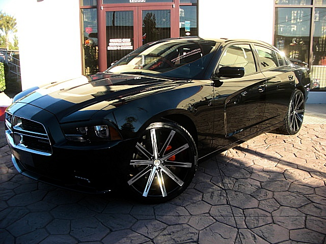 Alfa img showing gt 2014 dodge charger on 26 inch rims